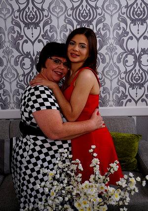 Beauty loves old lesbian
