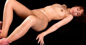 Japanese adult model Hirako Saori pics