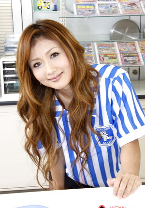 Sensual Hibiki Ohtsuki gets nailed at work